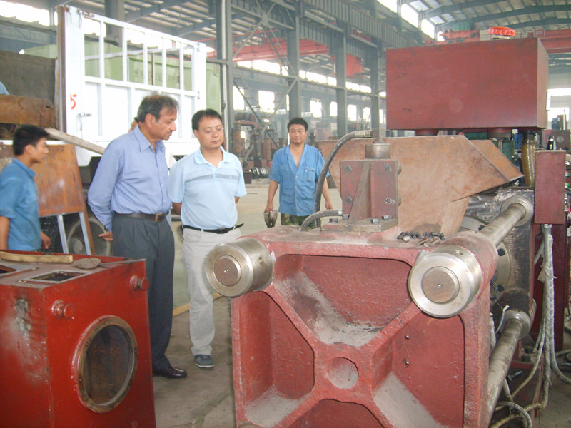 Indian briquetting press customer visit our company