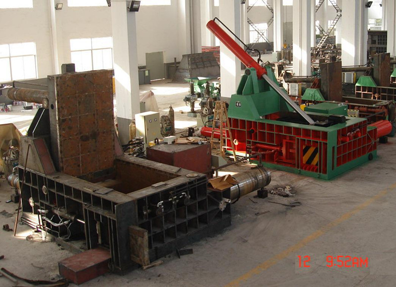 metal scrap baling press assembly