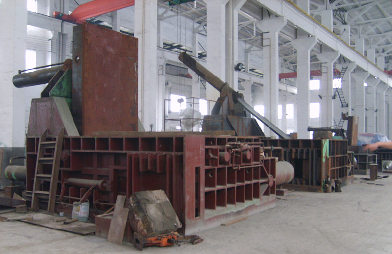 metal scrap baler under assembly