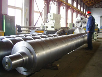 Shaft forged by hydraulic open-die forging presses