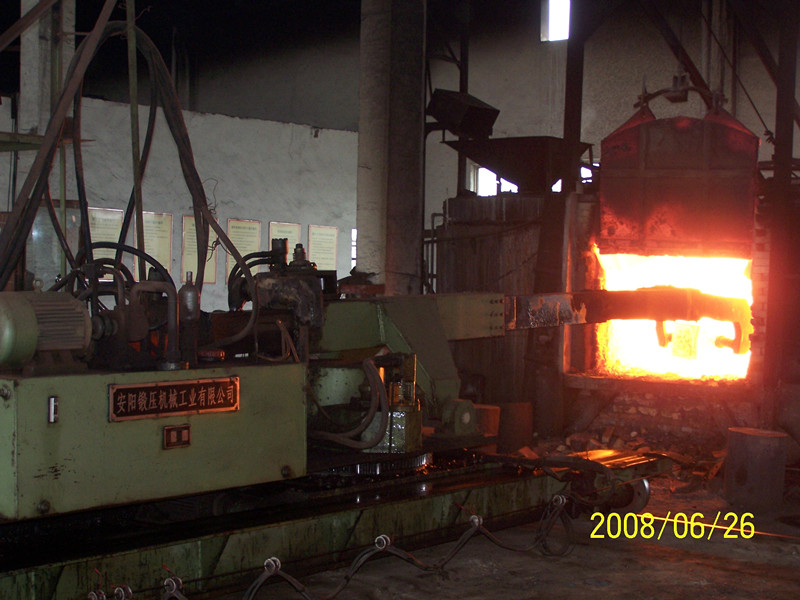2t furnace heavy loads charging manipulator