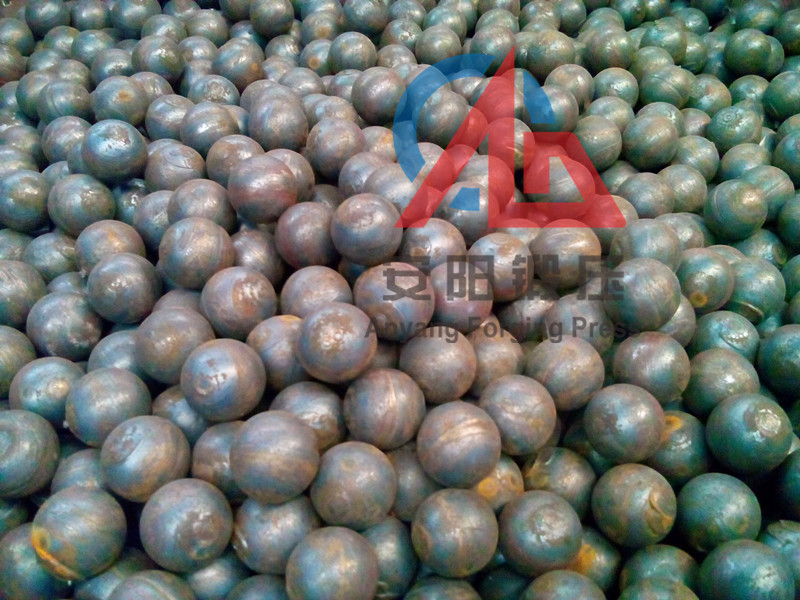40mm rolled grinding steel balls made on steel ball hot rolling line
