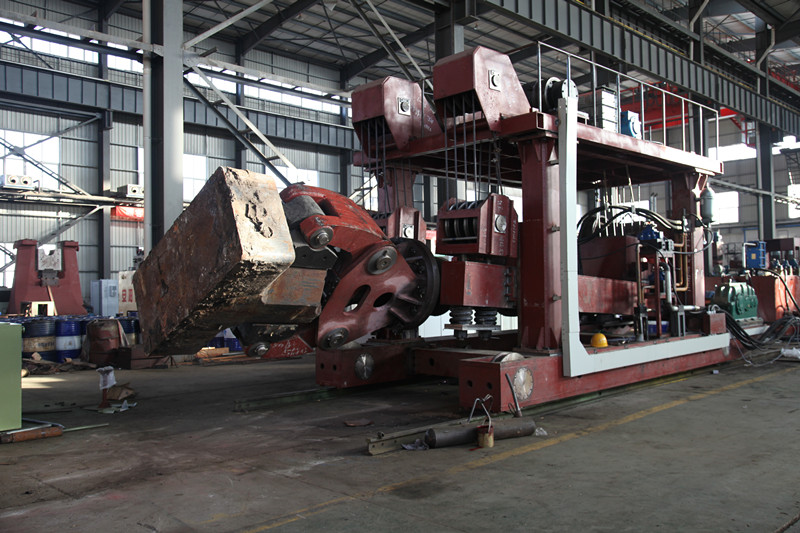 heavy rail bound forging manipulator