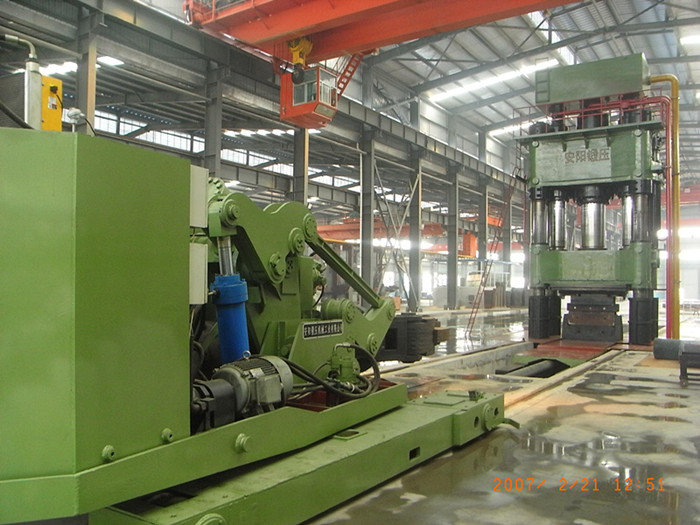 2500t Open die hydraulic metal forging press and 8t forging manipulator