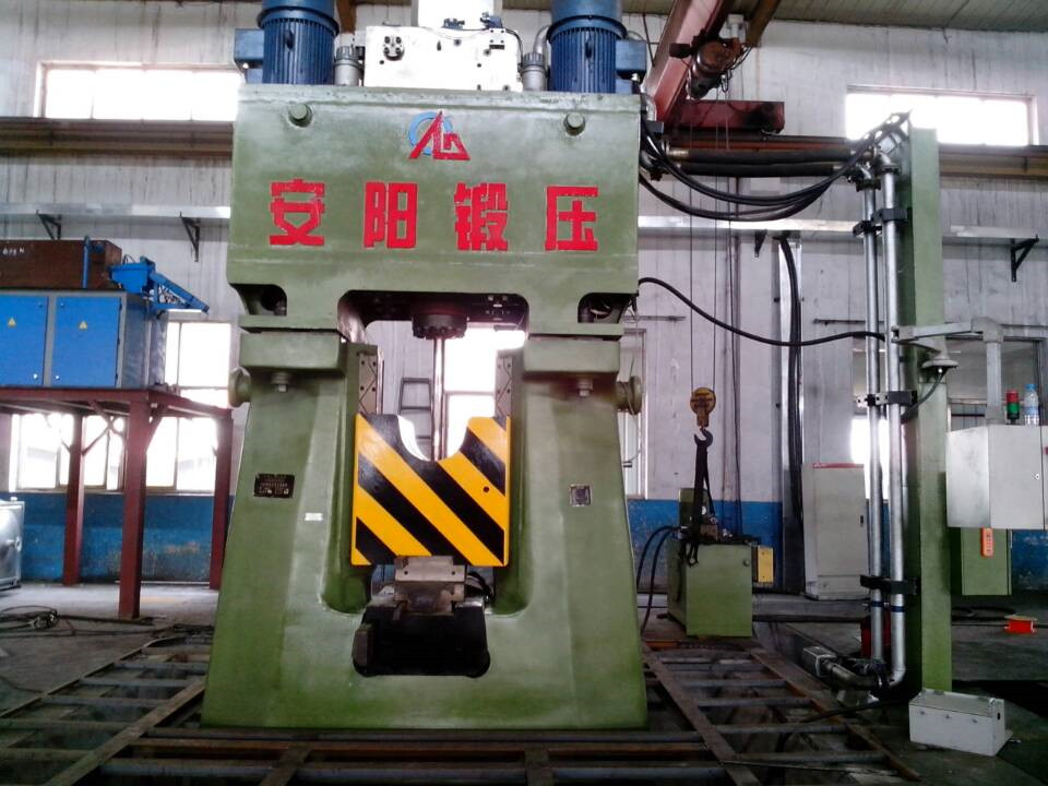 31.5kj Programmable hydraulic die forging hammer in China