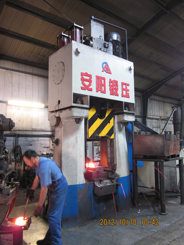 31.5kj CNC Fully hydraulic closed die forging hammer in Slovenia
