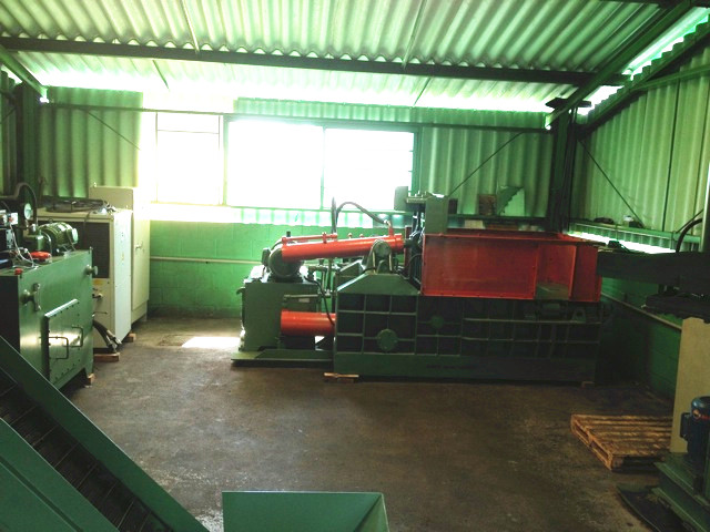 Y81-100 scrap metal processing equipment in Brazil