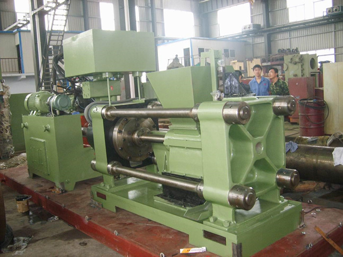 hydraulic metal scrap baling machine assembly