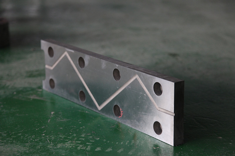 CNC forging hammer guide plate