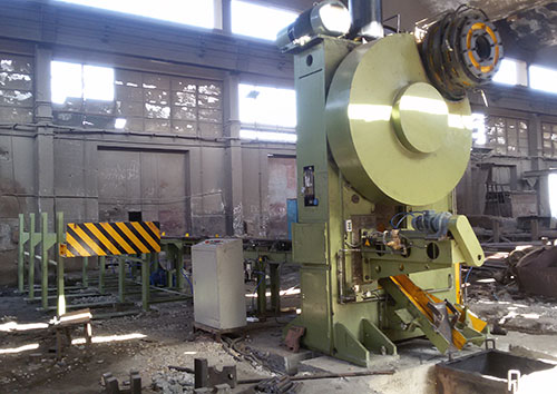 Q42-800 round bar shear machine line in Egypt