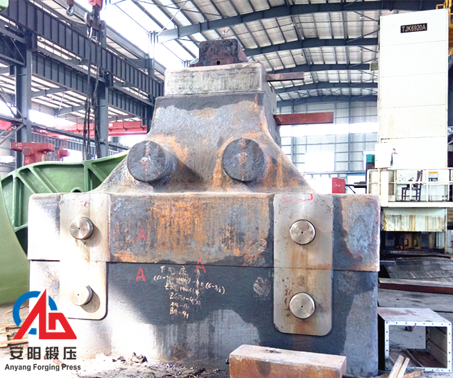 Electro hydraulic open die forging hammer anvil block