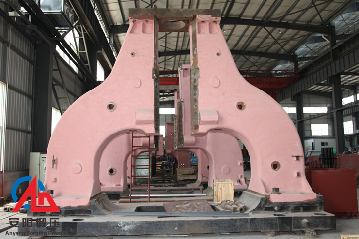 Arch open die hydraulic hammer assembly