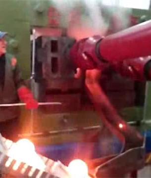 钢球生产视频-120mm钢球斜轧机在亚美尼亚轧钢球